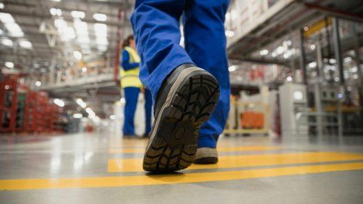 7 Merk Sepatu Safety Terbaik untuk Pekerja Lapangan